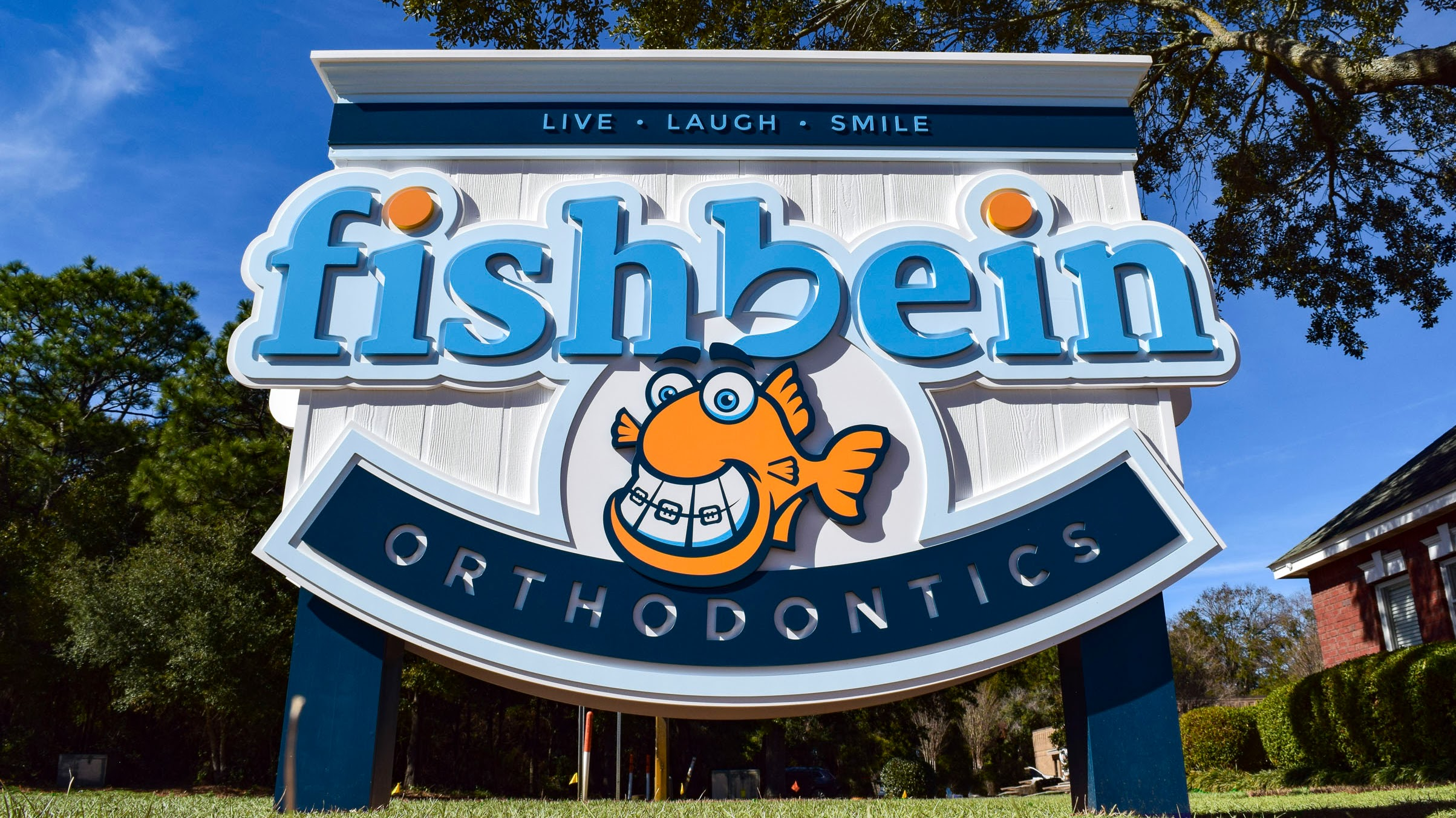 Architectural signage for Fishbein Orthodontics by Pensacola Sign