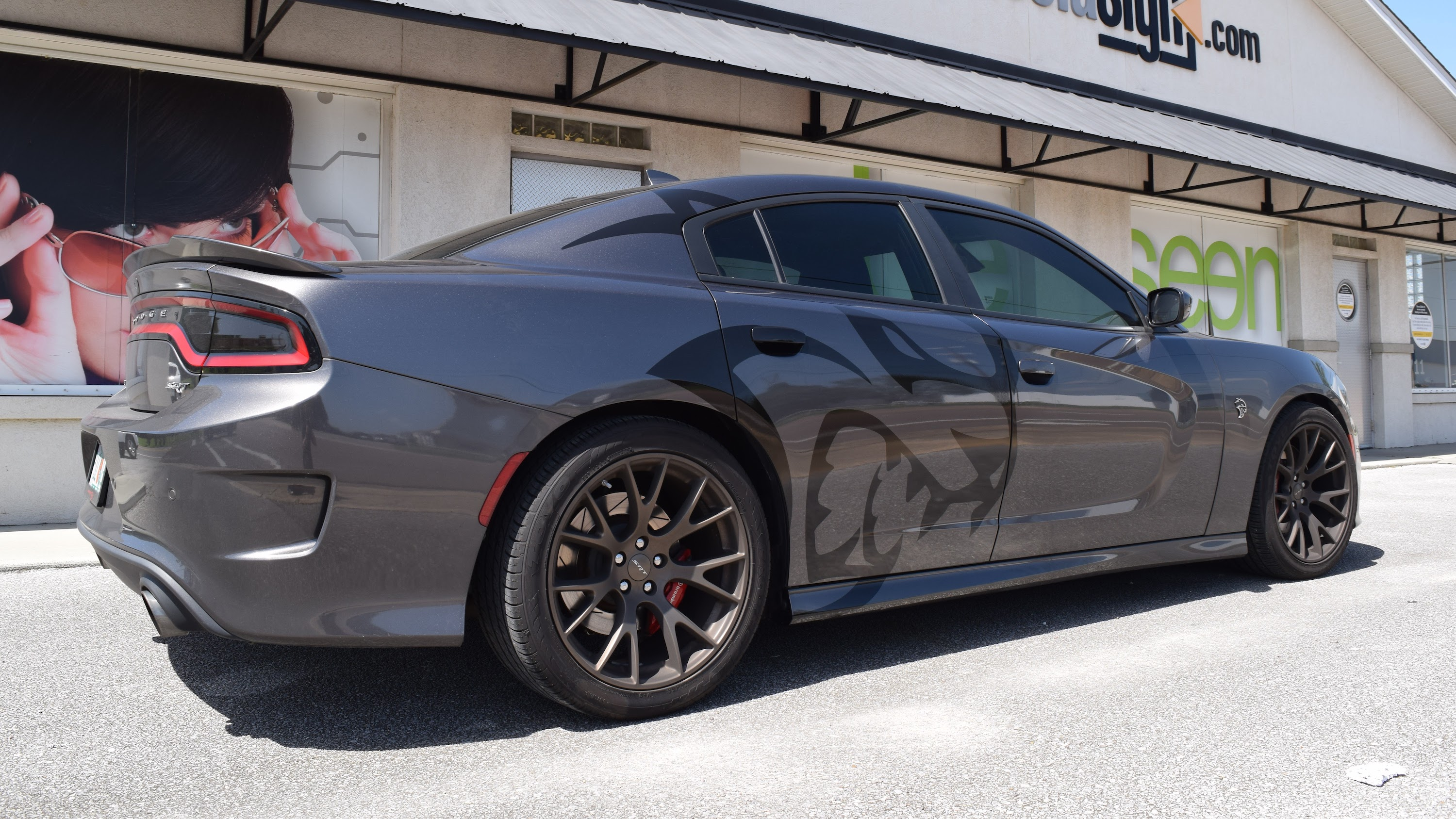 Hellcat vehicle graphics on Dodge Charger
