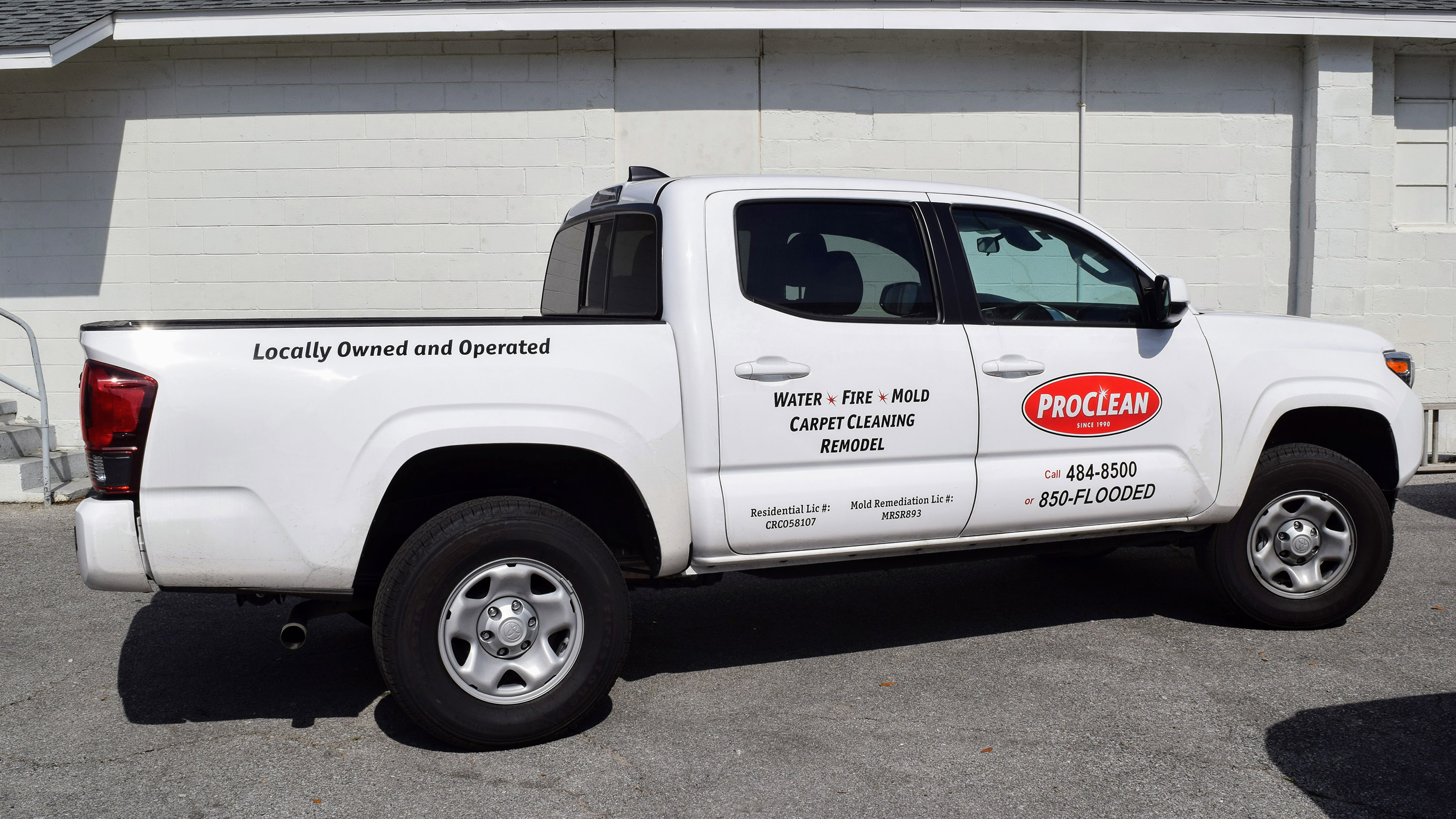 Vehicle graphics on Proclean truck - Pensacola Sign vehicle graphics